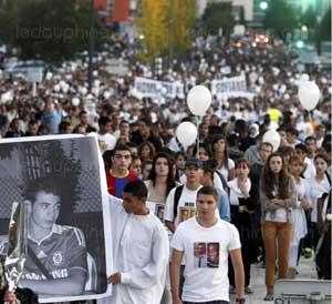 Marche blanche à la mémoire de Kevin et Sofiane (Photo Dauphiné Libéré, tous droits réservés)