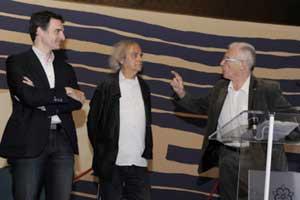 Eric Piolle, Jean-Pierre Andrevon et le président du jury (cliché Joseph Caprio)  Mais qu'est ce que c'est que ce nouveau look sans cravates !!!!