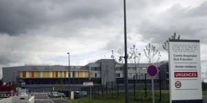 Hôpital Sud Franciien : PPP résiilé avec Eiffage (©AFP/Joël Saget))