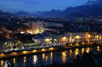 Grenoble nuit